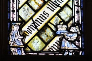 alice-in-wonderland-on-a-stained-glass-window-in-christ-church-colleges-great-hall
