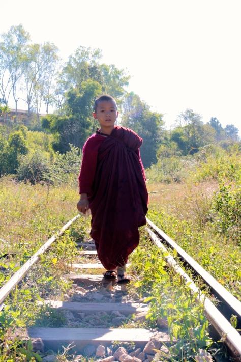 monk myanmar kalaw